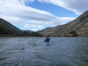 Lauri paddles off down the Hurunui.