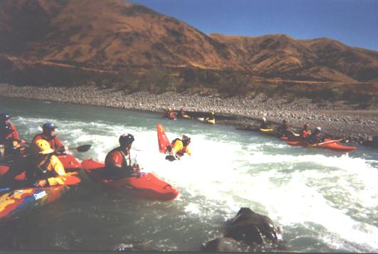 20050213 Waiau_River_playing_on_rapid_