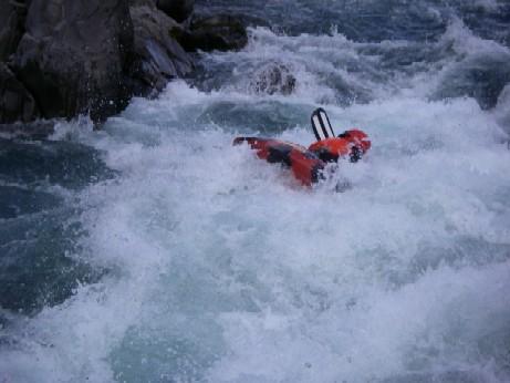 20080504_Hurunui_swimming_the_Hawarden_Gap_732_low_res