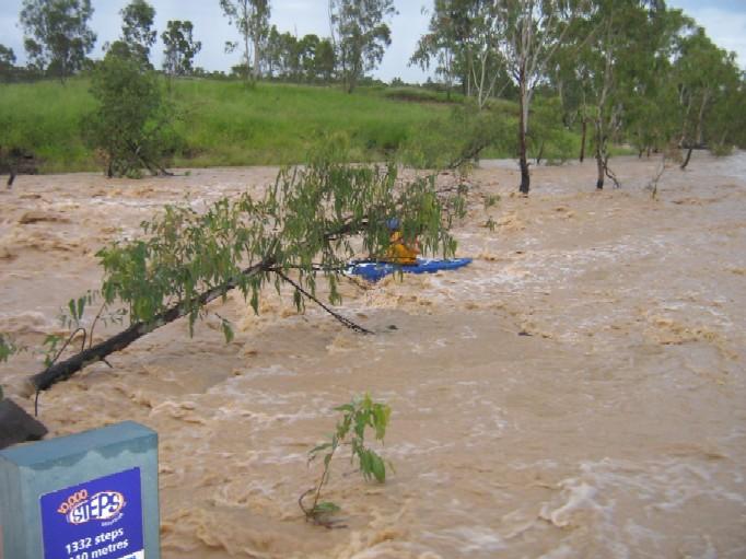 20090828 Kayaking_Grosvenor_Creek_Low_Res